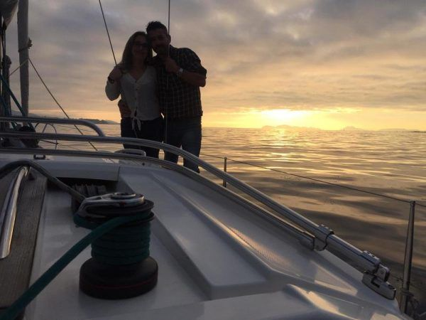 Escapada romántica inolvidable en un velero. 350 € pareja.